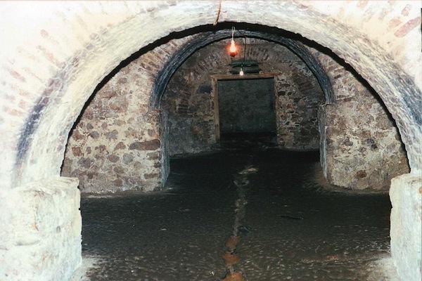 dungeon, slavery, Ghana