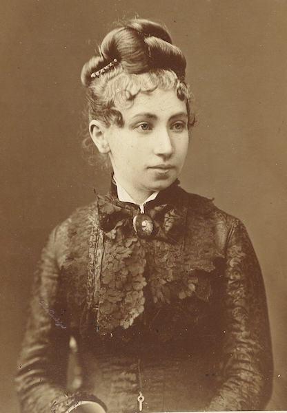 Julia Schuster Staab