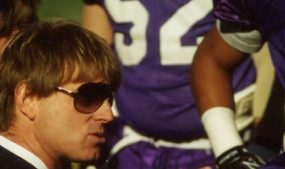 hal-mumme-coaching-on-the-sidelines-by-kalen-henderson-courtesy-of-scribner_cropped-wimtba